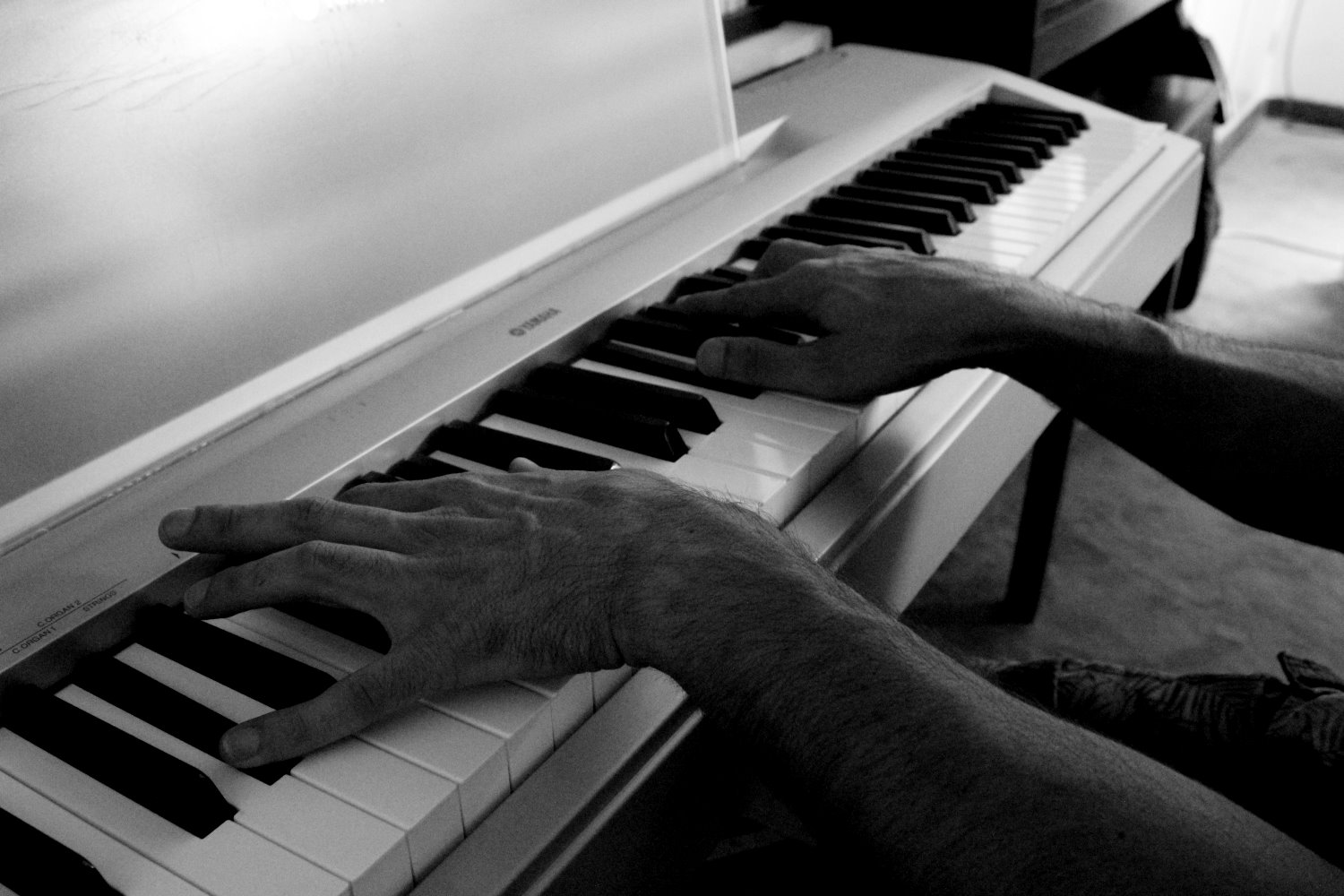 Hands On Piano - HighSoniX Productions © Copyright 2019